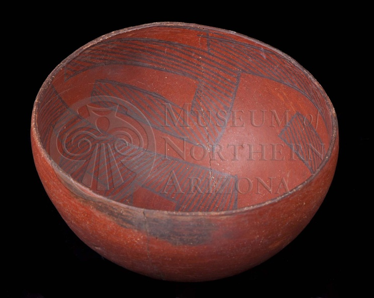 Tusayan Black-on-red Bowl
