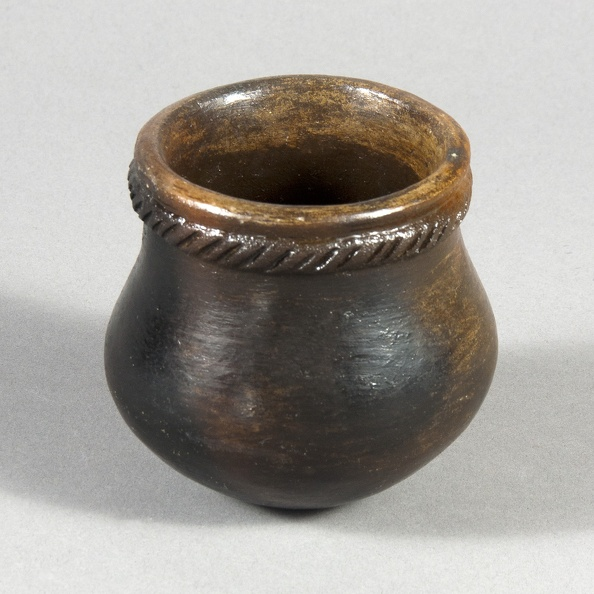 Navajo Pitch Jar with Fillet
