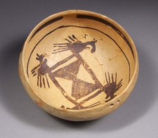 Jeddito Black-on-Yellow Bowl