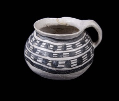 Bidahochi Black-on-White Mug or Pitcher