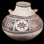 Mimbres Black-on-white jar
