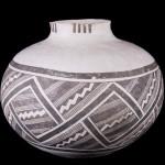 Reserve Black-on-white jar