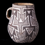 Puerco Black-on-white pitcher