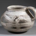 Kayenta Black-on-white jar or mug
