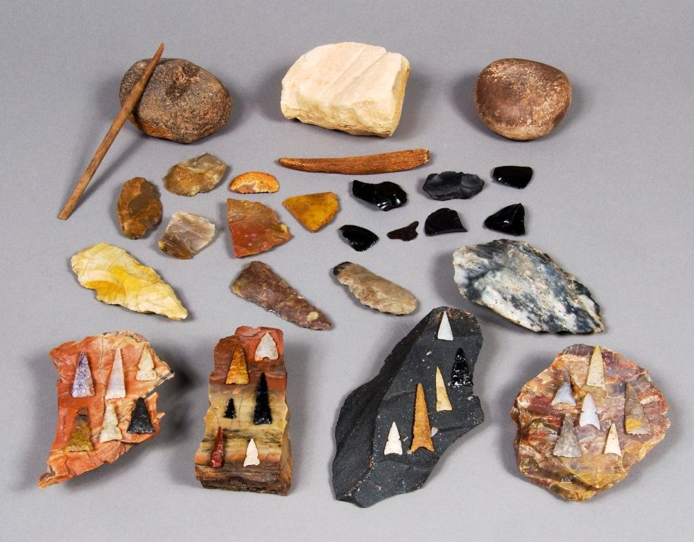 Projectile points, raw material, and manufacturing tools from Wupatki National Monument. Click the image to open the Projectile Point gallery.